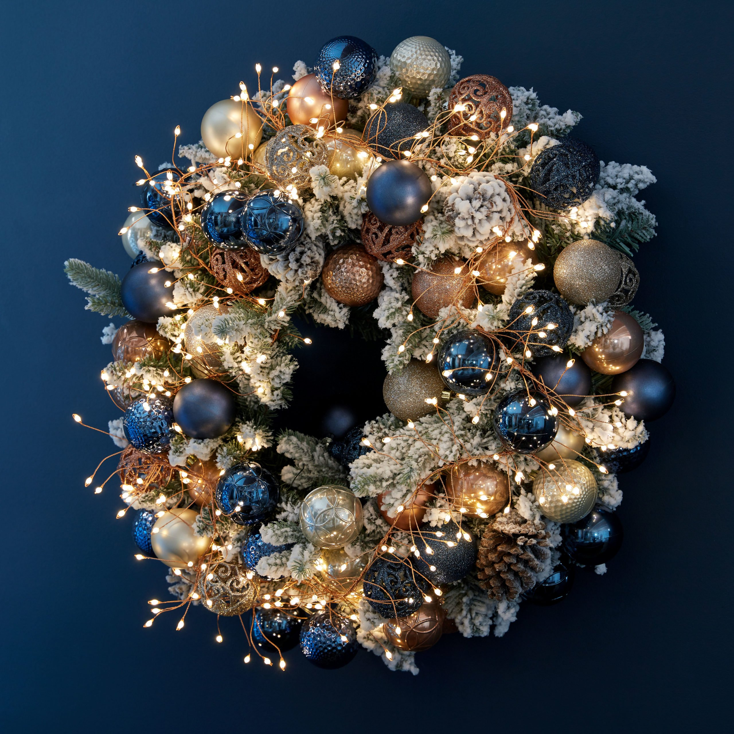 Wreaths and Garlands - Christm -Housing Units