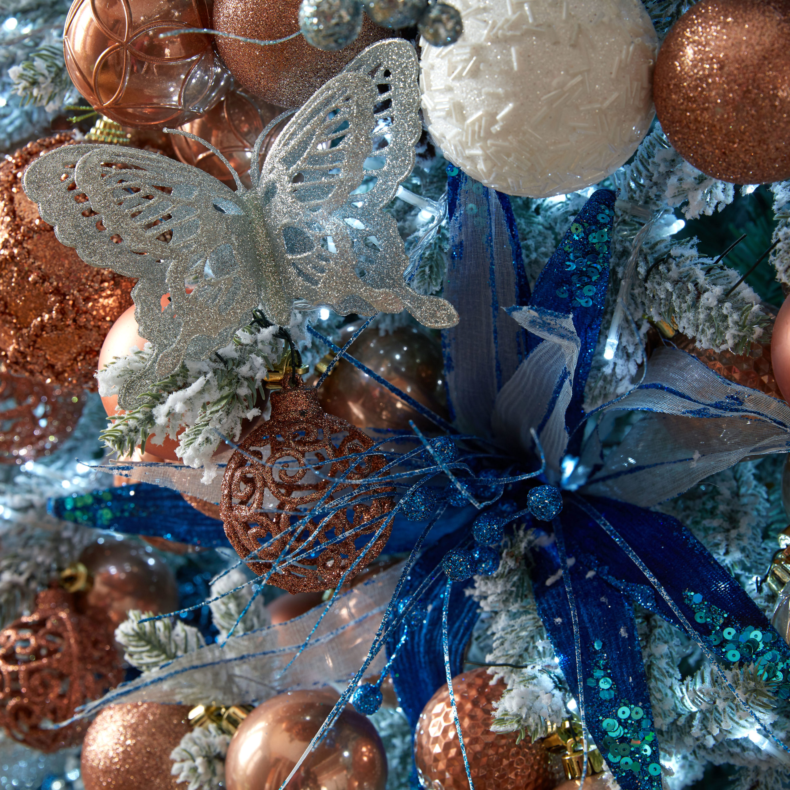 Housing Units- Christmas Decorations and Xmas Baubles